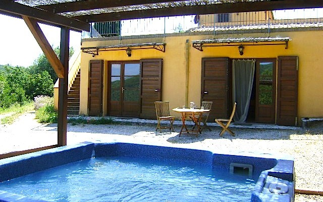Hot tub Casale Pundarika